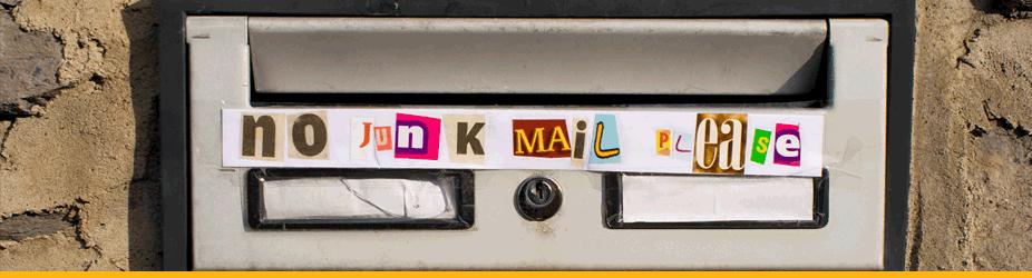 """Bitcoin-Adresse - Postschlitz mit """"No Junk Mail""""-Sticker"""