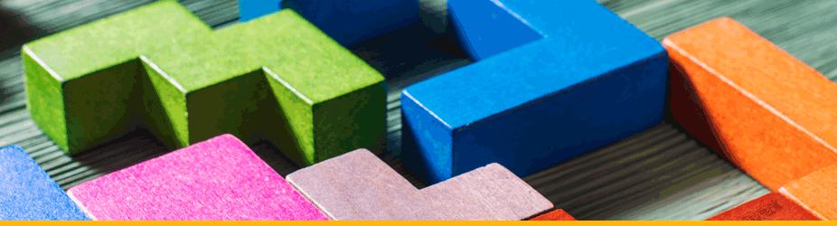 Bitcoin-Block - Bunte Tetris-Bloecke aus Holz